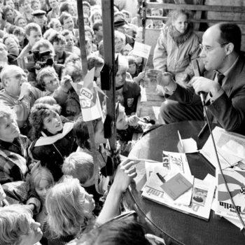 11. März 1990: Gregor Gysi in SeelowGregor Gysi in Seelow